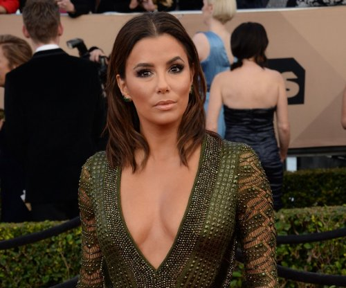 Eva Longoria performs dramatized version of Spice Girls hit