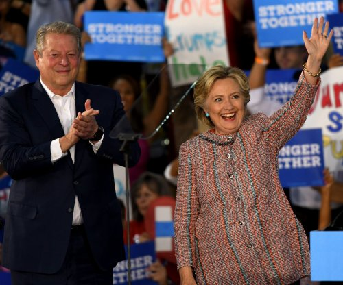 Al Gore debuts on Clinton campaign trail in Florida, warns about 2000 result