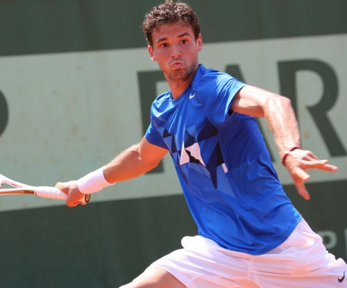 Top seeds cruise through second round of Austrailian Open