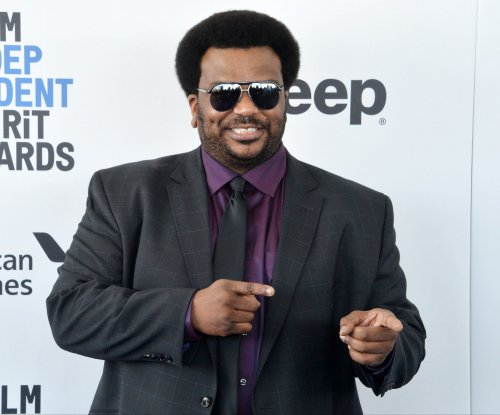 Craig Robinson lost 50 pounds by giving up alcohol, going vegan