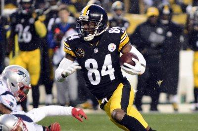 Pittsburgh Steelers WR Antonio Brown angrily dismisses trade tweet