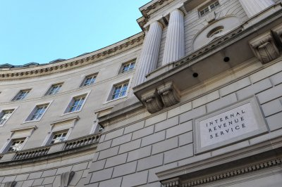 Lawmakers seek IRS plan to shield low-income Americans from collectors
