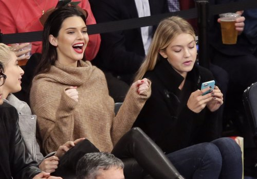 Kendall Jenner and friends take in a Knicks game in NYC