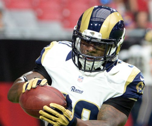 St. Louis Rams trade RB Stacy to New York Jets