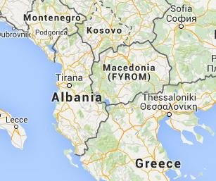 Macedonian police clash with immigrants at border