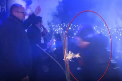 Poland mayor dies after stabbing on stage at fundraiser