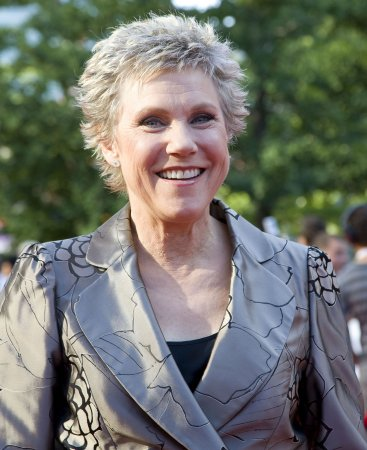 Anne Murray tilts at E. Canadian wind farm
