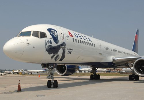 Travelers get unexpected airfare bargains, Delta to honor fares
