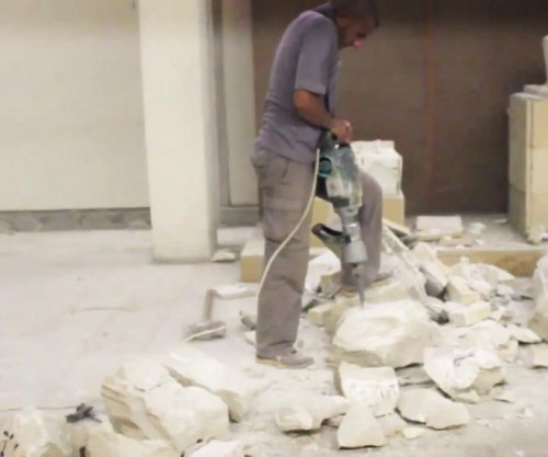 Islamic State video claims to show destruction of ancient artifacts