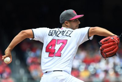 Gio Gonzalez's arm, bat lead Washington Nationals over San Francisco Giants