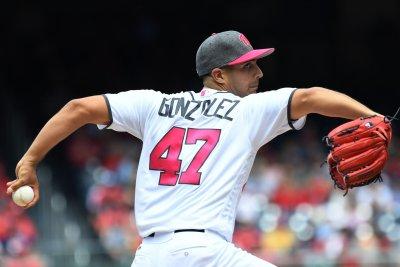 Gio Gonzalez's arm, bat lead Washington Nationals over San Francisco Giants