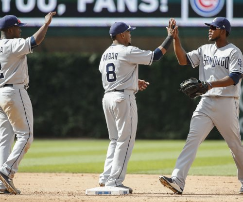 Bases-loaded walk helps San Diego Padres beat Chicago Cubs
