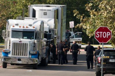 Driver jailed as 10th person smuggled in Texas trailer dies