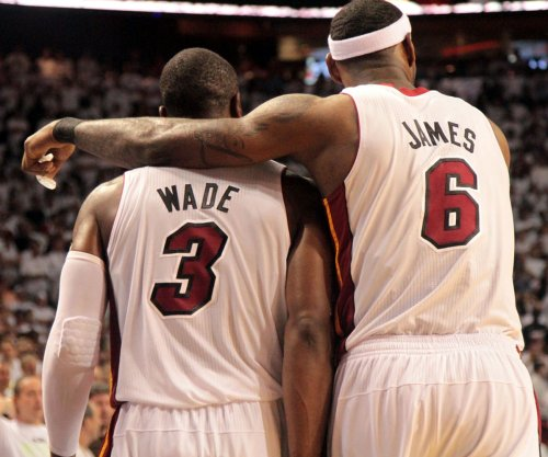 LeBron James says he would take pay cut to play with these guys