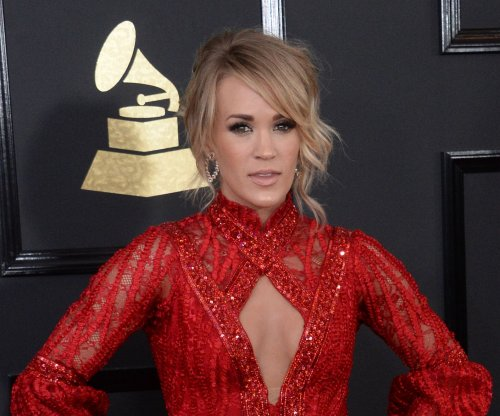 Carrie Underwood shares photo of her 'Walking Dead' birthday cake