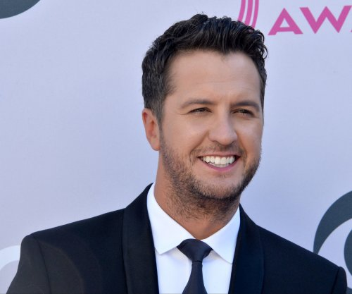 Report: 'American Idol' producers make Luke Bryan an offer