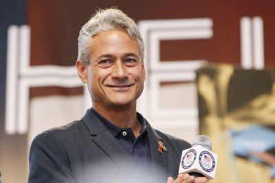 On This Day: Greg Louganis wins gold after hitting head on board