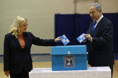 Benjamin Netanyahu's party holds lead in Israeli election