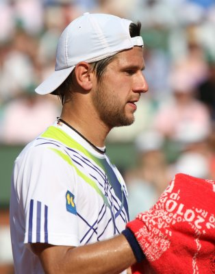 Melzer repeats as Bank Austria champion