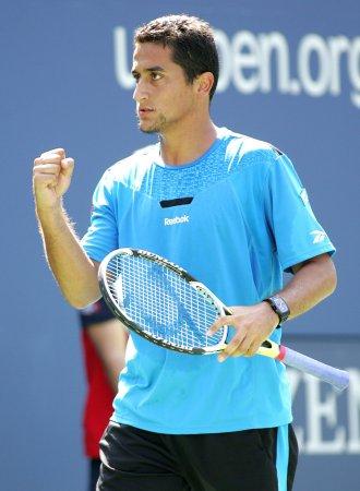 Almagro, Ferrer in Madrid semifinals