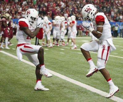 Houston vs. UConn: College football game preview