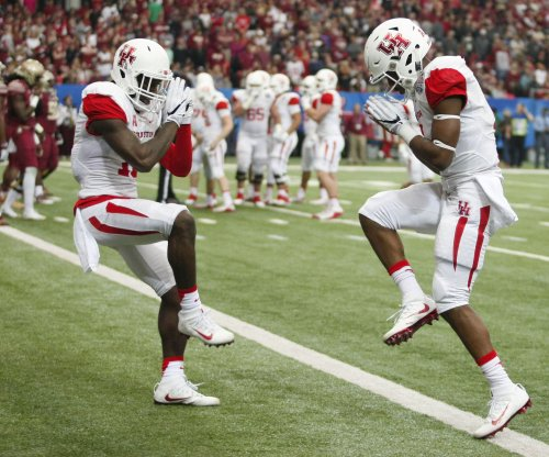 Houston vs. UConn: Prediction, preview, pick to win - AAC football