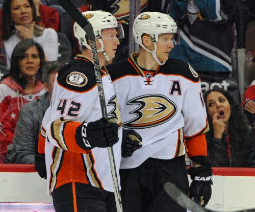 Anaheim Ducks avoid meltdown, edge Nashville Predators in OT