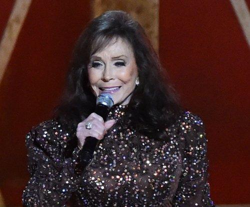 Loretta Lynn postpones tour, album release after stroke
