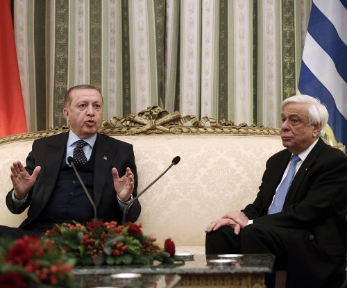 Turkish, Greek presidents clash at meeting over border treaty