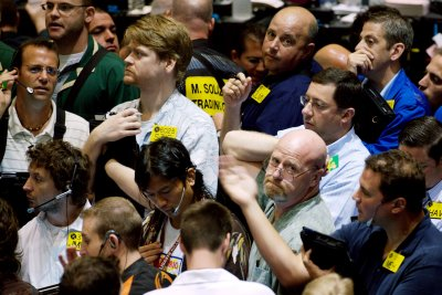 Oil prices start year lower on oversupply, demand concerns