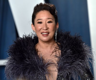Sandra Oh, Amanda Peet team up for Netflix dramedy