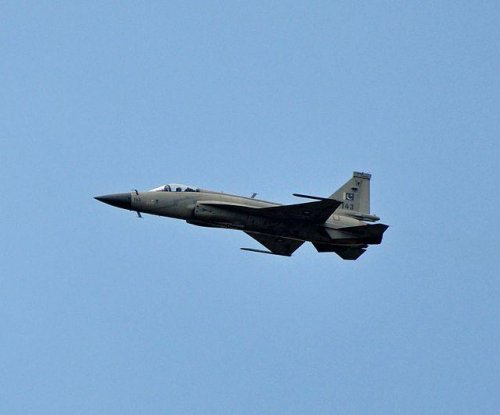 Pakistan, China building JF-17B prototype
