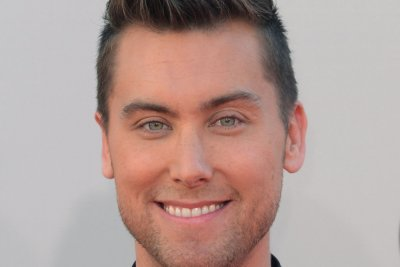 Lance Bass to host gay dating show, 'Finding Prince Charming'