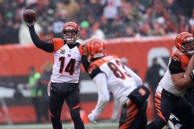 Andy Dalton's 4 TDs lead Cincinnati Bengals past Cleveland Browns