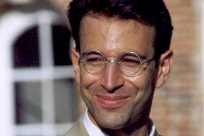 Pakistan's top court rejects appeal, frees 4 involved in Daniel Pearl killing