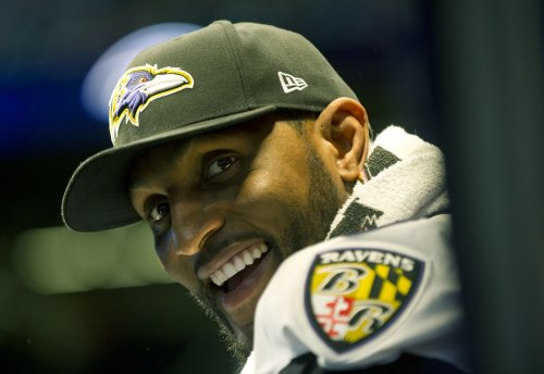 Ravens' Lewis denies using antler spray