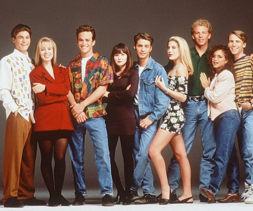 Unauthorized 'Beverly Hills, 90210' movie to air on Lifetime