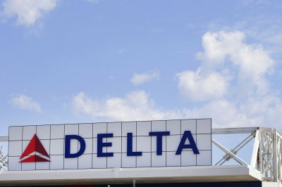 'Technological issues' delay Delta flights