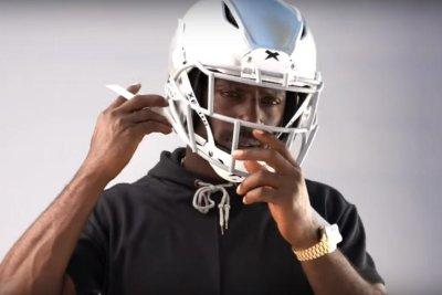Antonio Brown unhappy with Oakland Raiders for fines; unveils new helmet
