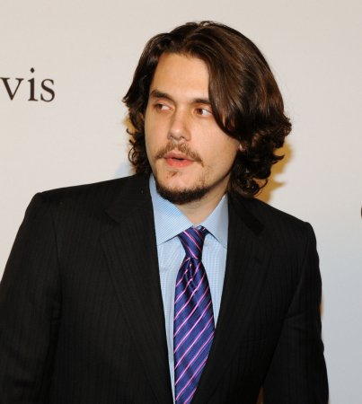 Throat issue sidelines John Mayer