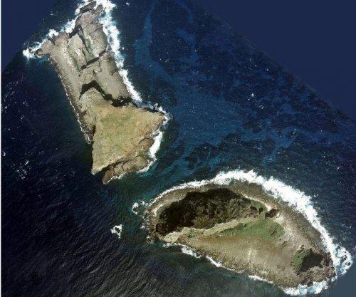 Japan: Chinese ships sailed near disputed islands