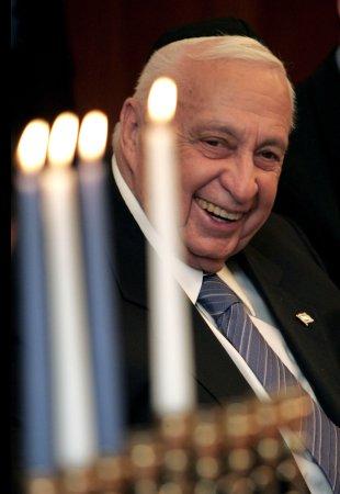 Comatose former Israeli PM Ariel Sharon in critical condition