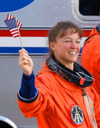 'Love-struck' astronaut's case continues