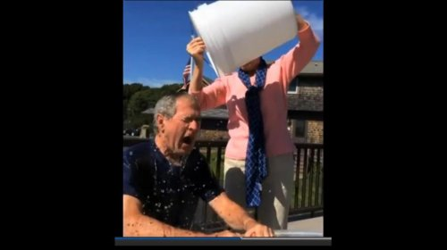 George W. Bush does ALS Ice Bucket Challenge