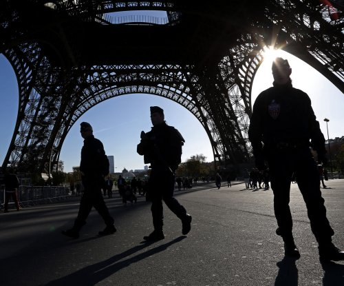 New suspect wanted in Paris terror attacks; French, Russian jets bomb suspected terror site