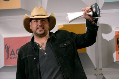 Jason Aldean announces Six String Circus Tour, will perform with Kid Rock in Boston