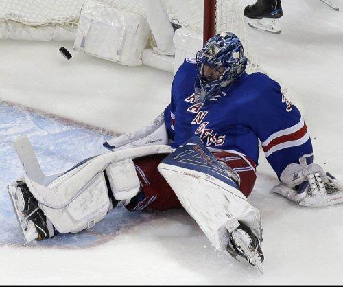 Henrik Lundqvist rebounds as New York Rangers down Philadelphia Flyers