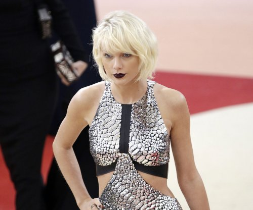 Taylor Swift testifies in 'horrifying' DJ groping case