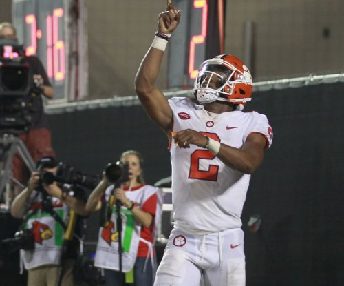 No. 2 Clemson erupts in fourth quarter to blast Boston College