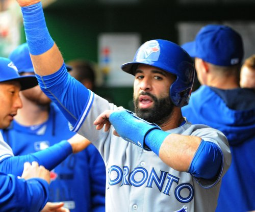 Toronto Blue Jays continue winning streak, move into first place in AL East